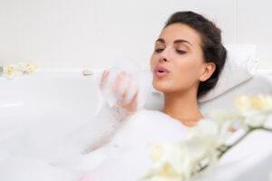 Как часто принимать ванну?