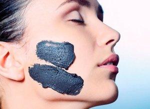 очищающая маска с углем и бентонитом